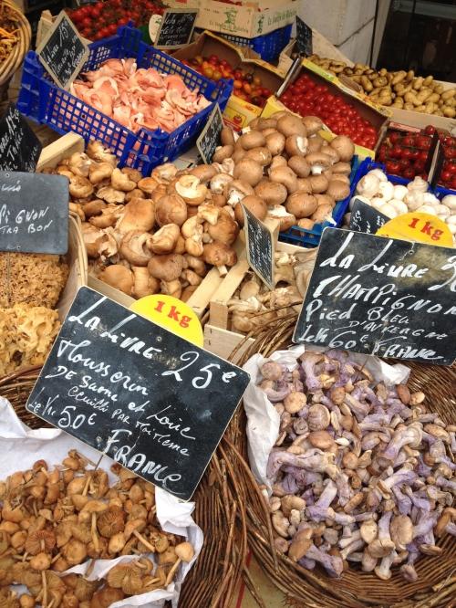 Il mercato di Beaune, in Borgogna.